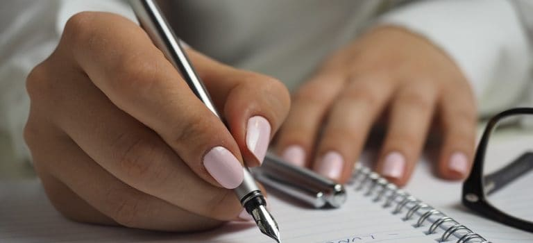 How to Heal Through Handwriting: Releasing The Pain with A Pen